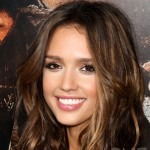 10-celebrity-hairstyles-for-medium-length-hair_-_New_Celebrity_Hairstyles
