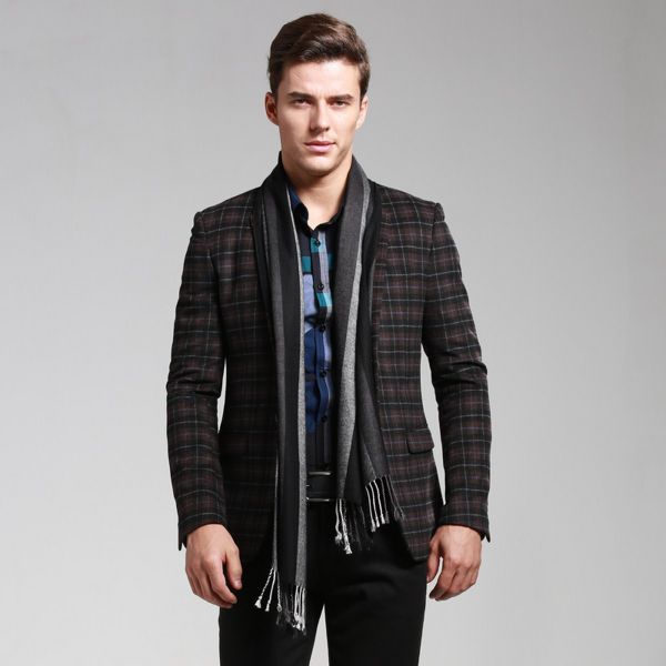 Casual clothing styles for men do not have to be bland and boring. Just like it happens with casual female outfits, that we have already covered, casual style clothing for men .