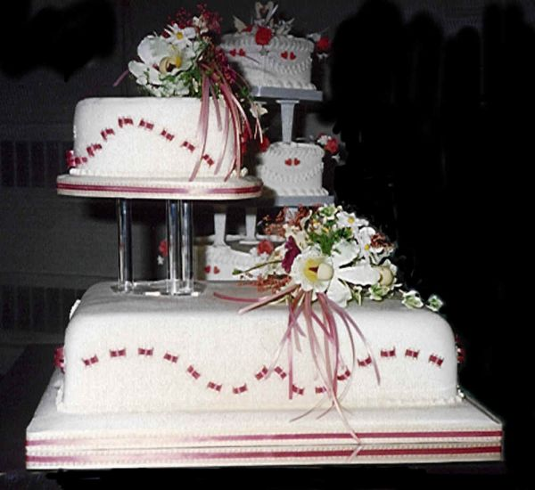 Wedding cakes 42 chilled inspiring juncture cakes outline ideas the