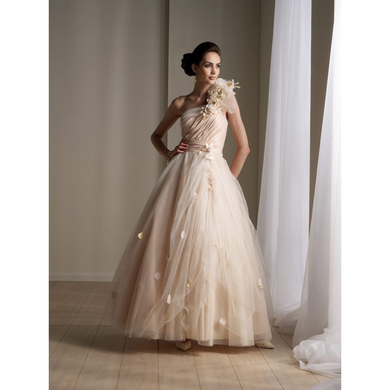 Where To Buy Wedding Gown: Simple Cream Wedding Dresses