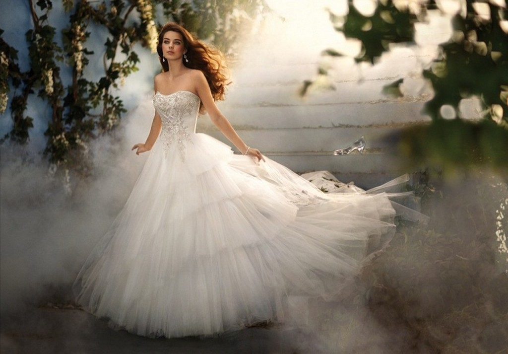Cinderella wedding dress disney 2015 2016 fashion trends for Wedding dress disney collection
