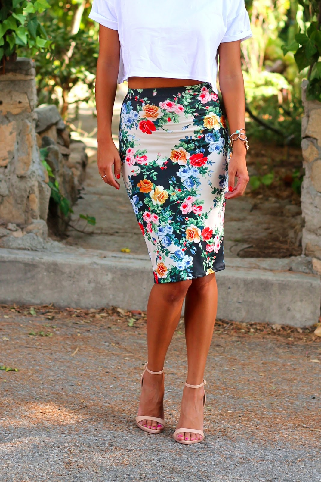 high waisted skirt and crop top tumblr shopping guide