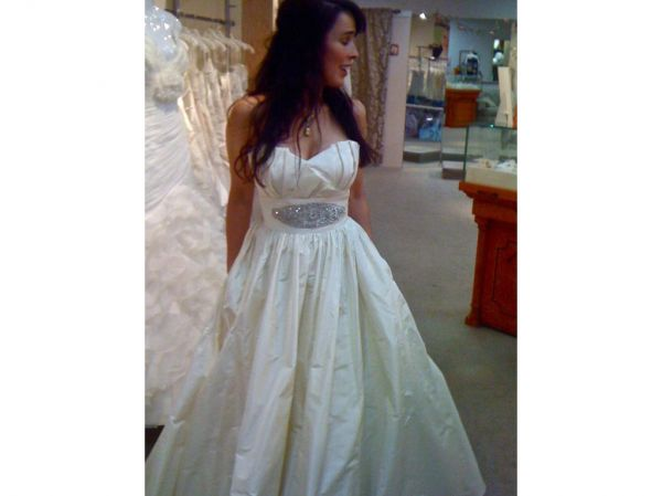 Inexpensive wedding dresses houston tx wedding dresses asian for Wedding dresses in houston texas
