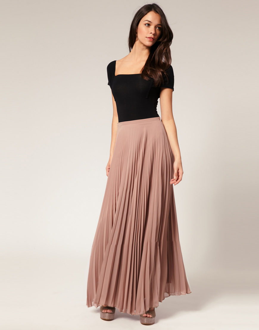 Moreover, you can also take a liberty to wear skirts with different types of tops and shirts. Choices could be abundant and you can ignite your dressing sense with a colorful long skirt. We have a plethora of long skirts online for you to pick a few for your wardrobe.