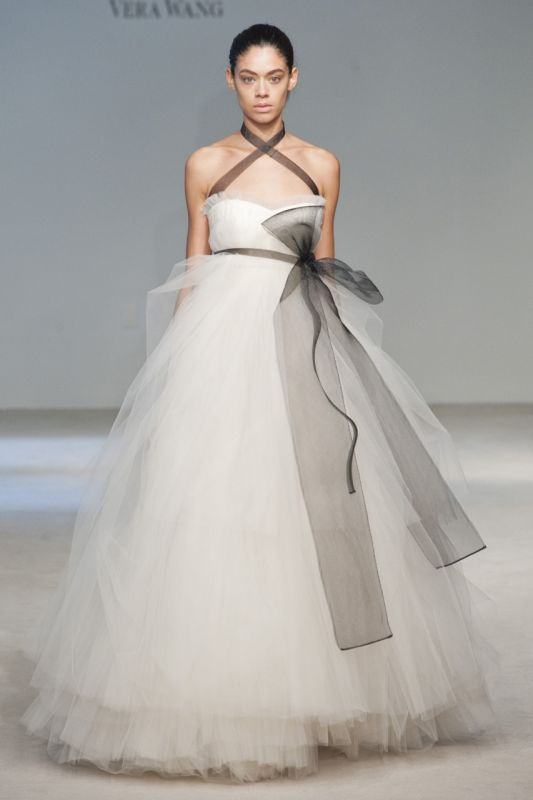 Vera wang wedding dresses 2014 2015 fashion trends 2016 2017 for Vera wang tea length wedding dress