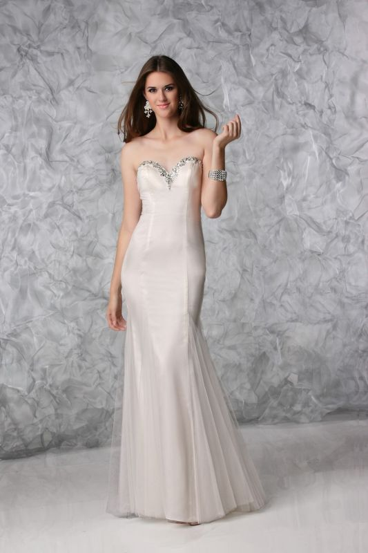Wedding dress styles for petite 2014 2015 fashion trends for Petite short wedding dresses