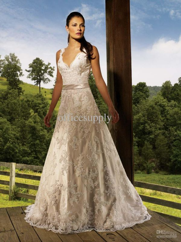White and gold wedding dresses 2014 2015 fashion trends for White and gold lace wedding dress