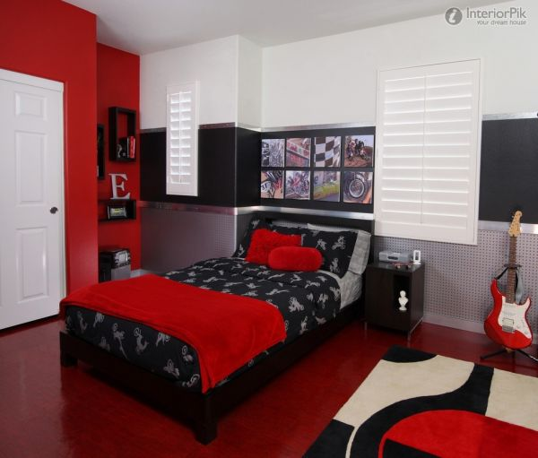 Red Black and Grey Teen Bedroom 600 x 511