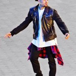 Chris_Brown_Loyal_Outfit_(Good_Galleries)