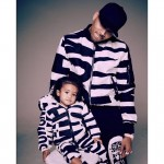 Chris_Brown_and_his_daughter_wear_matching_outfits_-_Sturvs