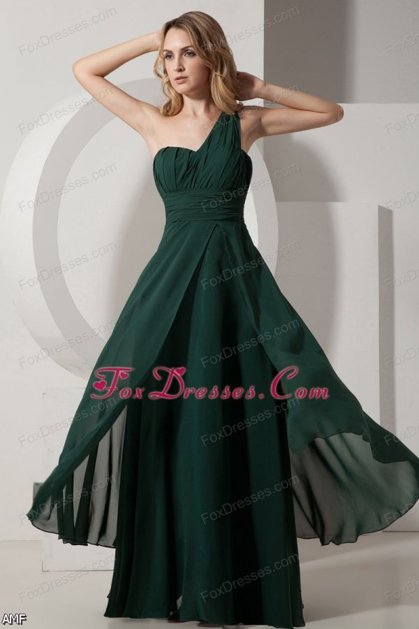 Green is the natural colour to show hope and energy. If you go out your door with a green prom dresses from kejal-2191.tk, you may definitely make you and others at the party energetic and active.