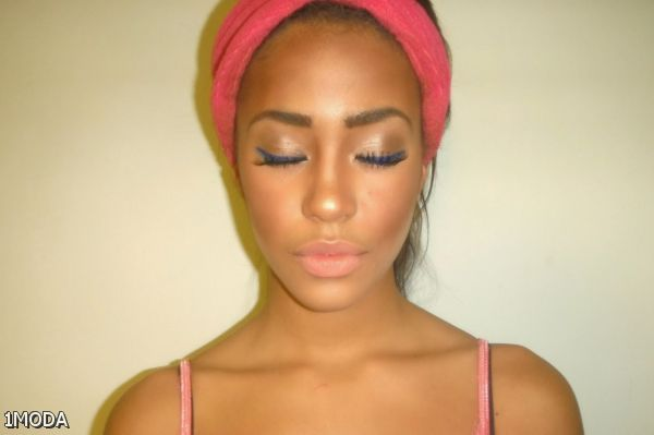 Looks - Eye medium for makeup skin tone pictures video