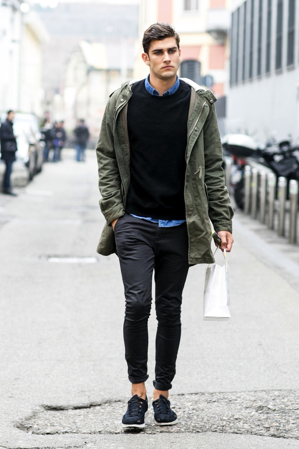Then it is high time to get inspiration from this article about men street style fashion. Street Style is very popular these days. Street Style is very popular these days. That is why we bring this collection of 17 popular street style fashion ideas for men.
