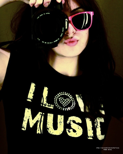 Cool And Stylish Profile Pictures For Facebook For Girls