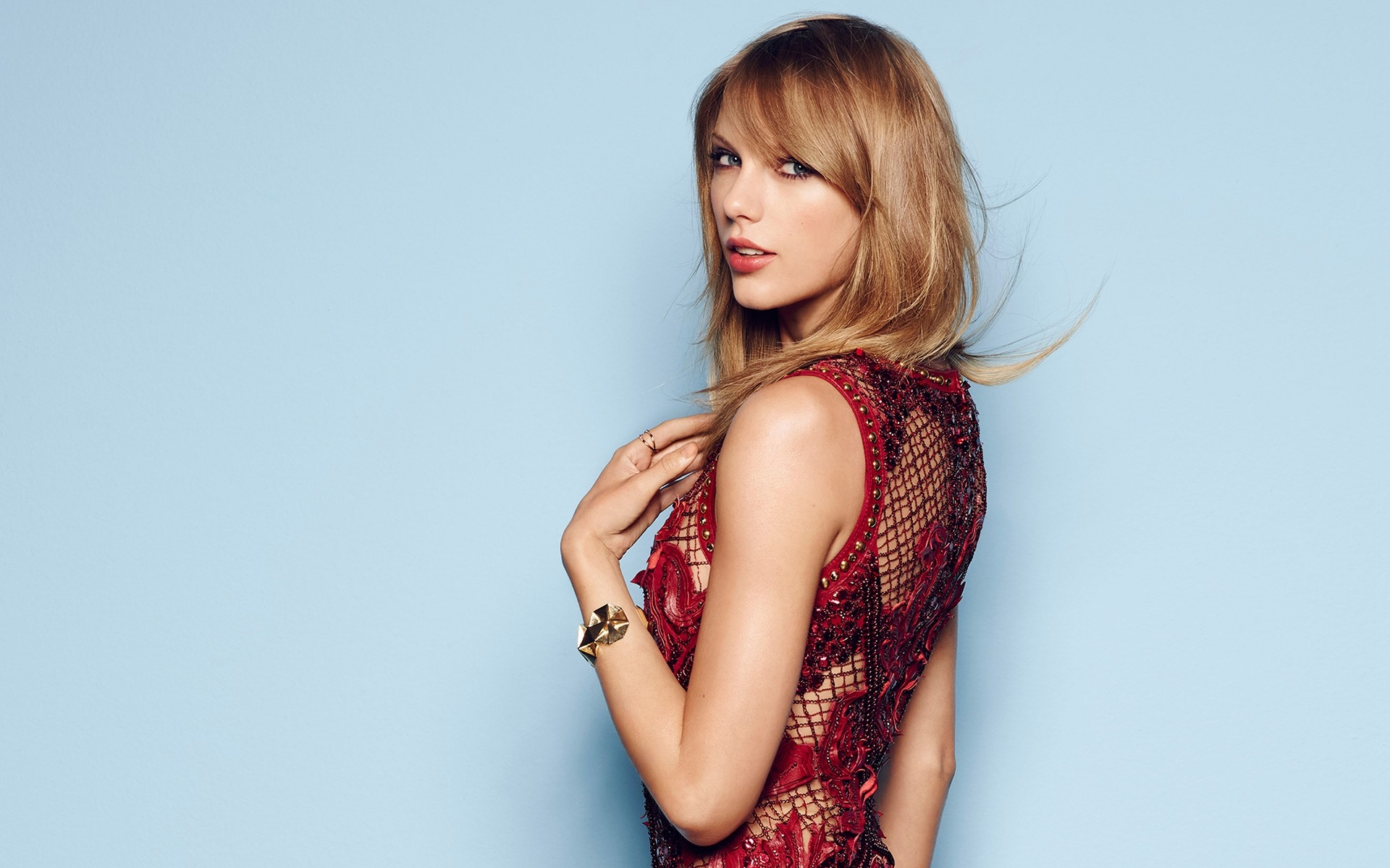 Taylor Swift Photoshoot Review Shopping Guide We Are