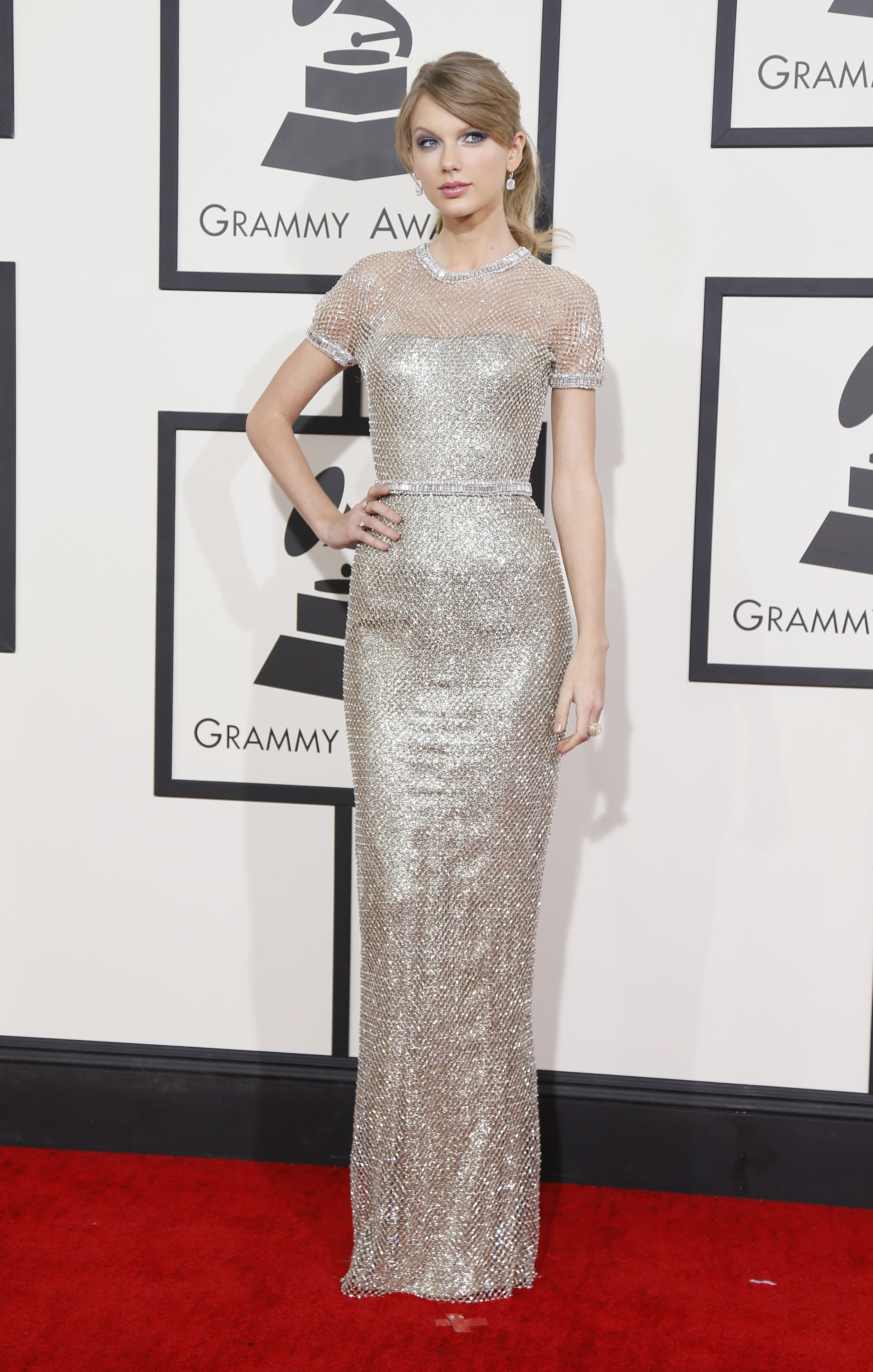 Taylor Swift Red Carpet Dresses 2016 2017 Fashion Trends