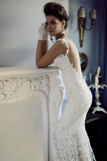 wedding dresses with lace open back